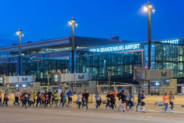Airport Night Run (© G. Wicker/FBB)
