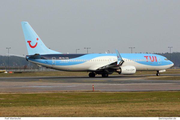 Arkefly Boeing 737-800(WL) PH-TFB mit Split Scimitar Winglets (© R. Manteufel)