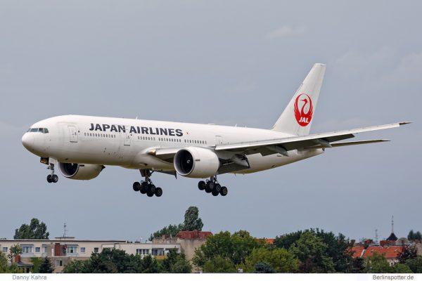 Japan Airlines Boeing 777-200ER JA706J (TXL 14.7.2016, D. Kahra)