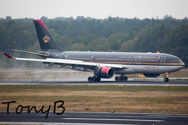 Royal Jordanian Airbus A330-200 JY-AIG (TXL 15.10. 2016)