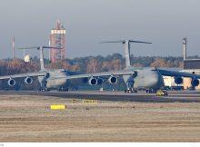 US Air Force Lockheed C-5M Galaxy 83-1285 und 86-0024 (TXL 14.11. 2016)