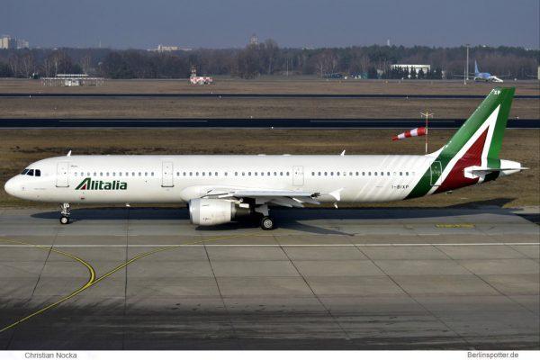 Alitalia Airbus A321-100 I-BIXP (TXL 10.2. 2017)