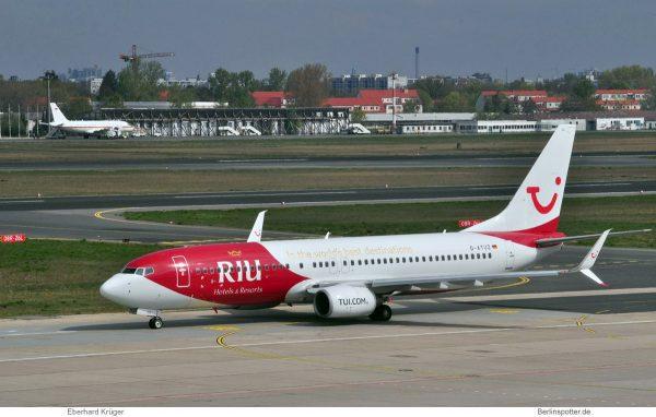 TUIfly, Boeing 737-800(WL) D-ATUZ in RIU-Bemalung (TXL 18.4. 2017)