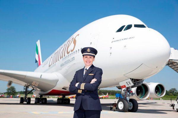 A380-Pilotin Angelika Barufke (© Emirates)