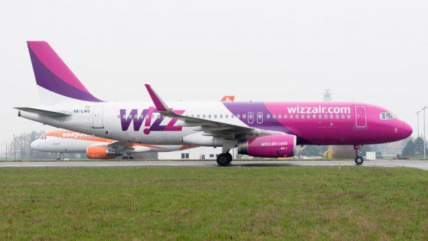 Airbus A320-200(SL) der Wizz Air am Flughafen Berlin-Schönefeld (© FBB)