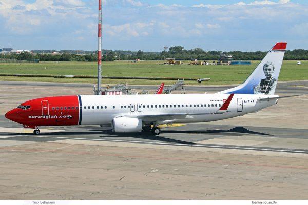 Norwegian Air International, Boeing 737-800(WL) EI-FVT, Bobby Moore im Tail (SXF 7.6. 2017)