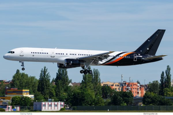 Titan Airways, Boeing 757-200 G-POWH (TXL 2.6. 2017)
