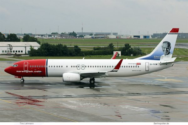 Norwegian Air International, Boeing 737-800(WL) EI-FVW, Richard Møller Nielsen im Tail (SXF 12.7. 2017)