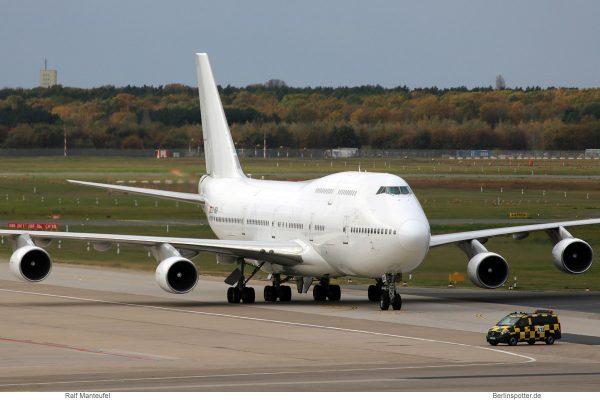 Wamos Air, Boeing 747-400 EC-MQK (TXL 27.10. 2017)