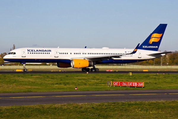 Icelandair Boeing 757-200(WL) TF-FIN (TXL 6.11. 2017)