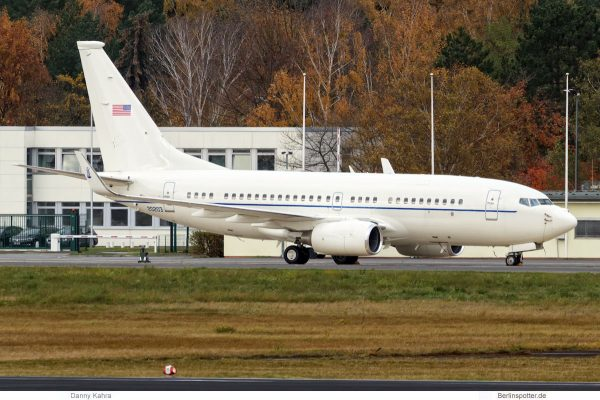 US Air Force Boeing C-40B '20203' (TXL 12.11. 2017)
