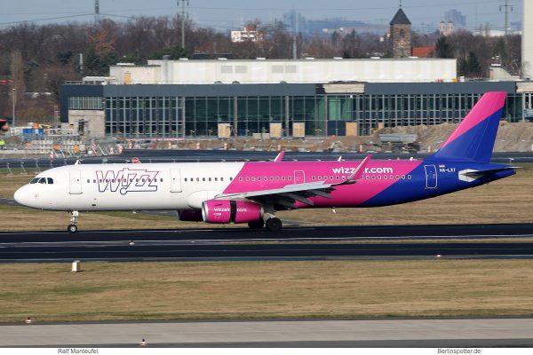 Wizz Air, Airbus A321-200(SL) HA-LXT (SXF 1.2. 2018)