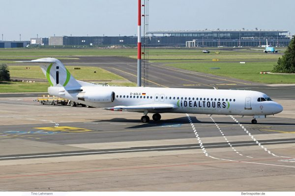Avanti Air, Fokker 100 D-AOLG, Idealtours-Bemalung (SXF 14.5. 2018)
