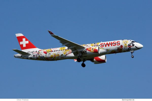 Swiss Bombardier CS300 HB-JCA, Swiss Romandy-Fichtre-Bemalung (TXL 6.5. 2018)