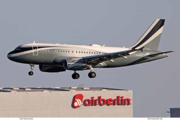 Sophar, Airbus A319CJ M-KATE (SXF 21.5. 2018)