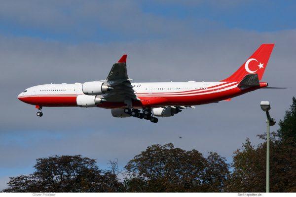 Türkei, Airbus A340-500 TC-CAN (TXL 27.9.2018)