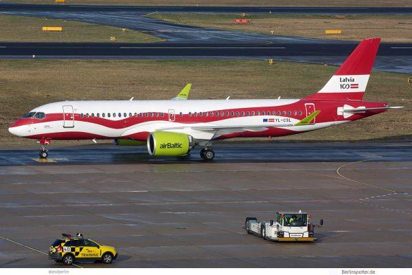 Air Baltic, Airbus A220-300 YL-CSL, 100 Jahre Lettland (TXL 12.11.2018)