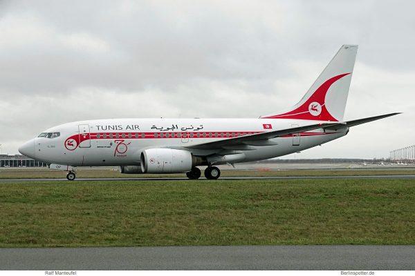 Tunis Air, Boeing 737-600 TS-IOP, 70 Jahre-Bemalung (SXF 13.1.2019)