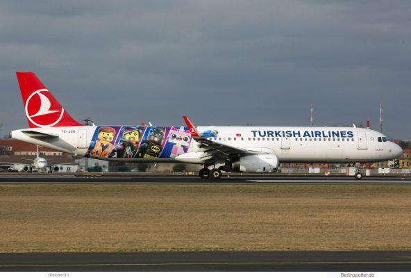 Turkish Airlines, Airbus A321-200(SL) TC-JSU, Lego the Movie 2 cs. (TXL 8.2.2019)