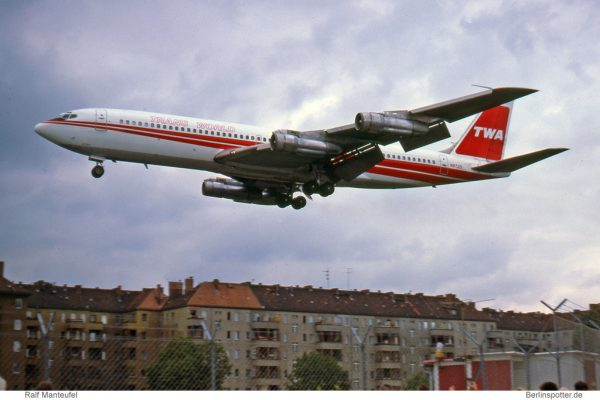 TWA Trans World Airlines, Boeing 707-331B N8730 (THF 15.7.1978)