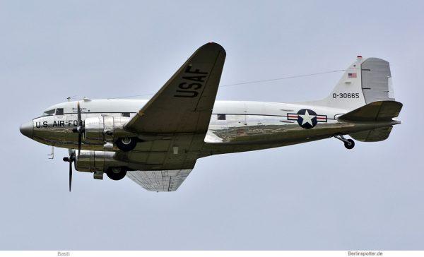 privat, Douglas DC-3C N47E (SXF 16.6.2019)