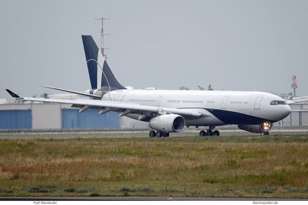 Comlux Aruba, Airbus A330-200 P4-MLO (SXF 30.7.2019)