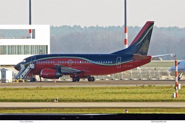 KlasJet, Boeing 737-500 LY-KDT (SXF 4.12.2019)