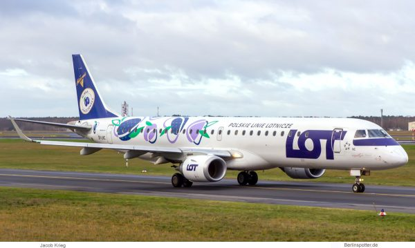 LOT Polish Airlines, Embraer 195LR SP-LNC (TXL 29.11.2019)