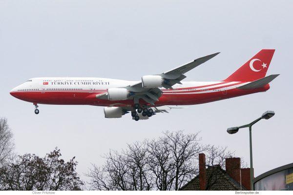 Turkish Gvmt, Boeing 747-8i TC-TRK (TXL 19.1.2020)