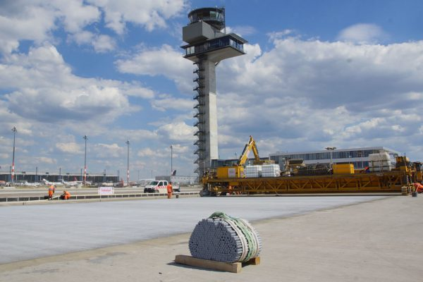 Bau der neuen Vorfeldfläche E2 am BER