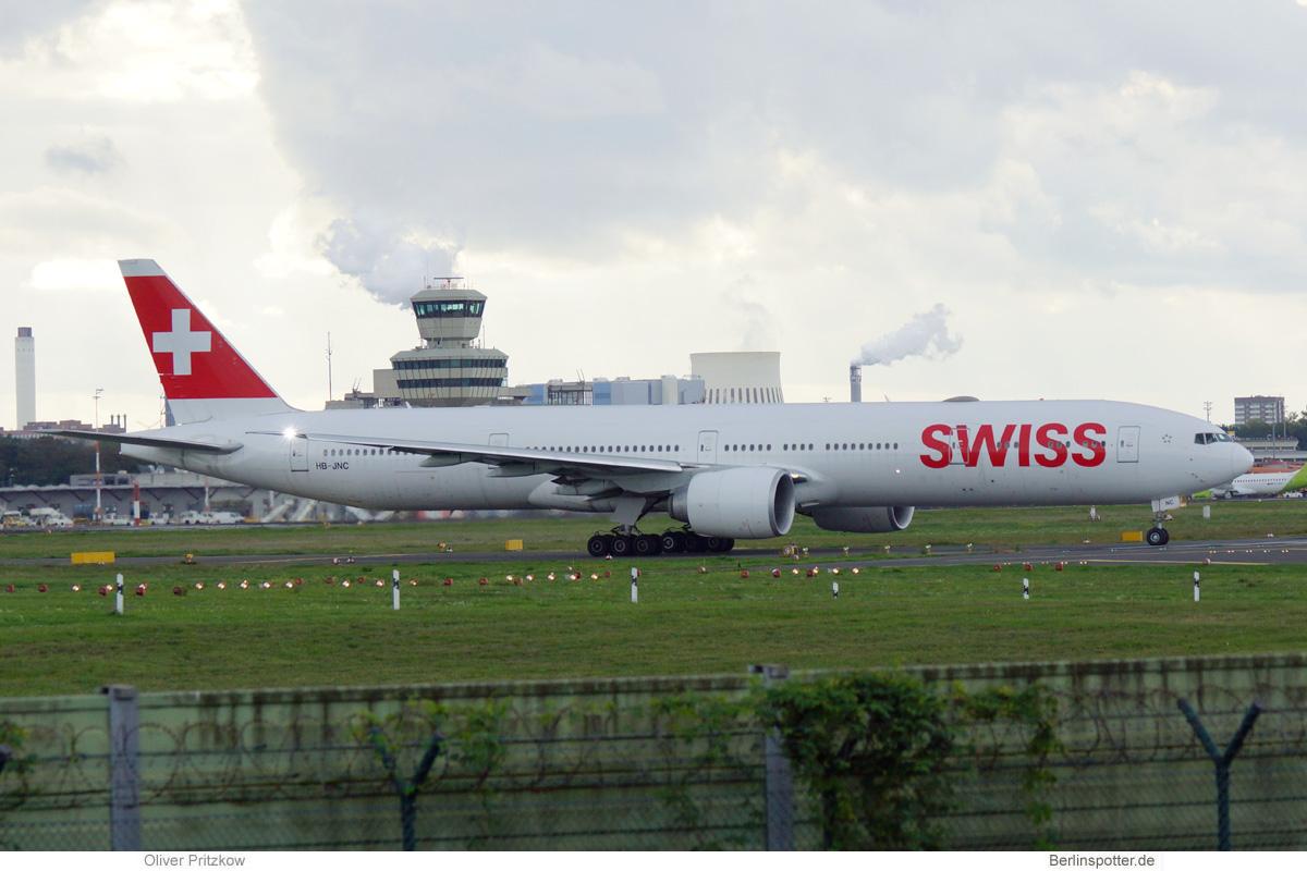 Swiss, Boeing 777-300ER HB-JNC (TXL 11.10.2020)