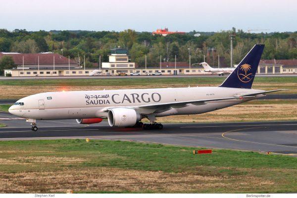 Saudia Cargo, Boeing 777F HZ-AK72 (TXL 28.9.2020)