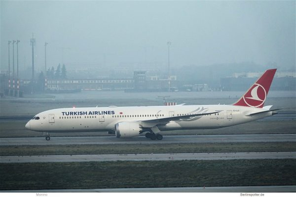 Turkish Airlines, Boeing 787-9 TC-LLO (BER 12.12.2020)