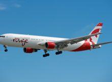 Air Canada rouge Boeing 767-300ER (CC BY-SA 2.0 BriYYZ)
