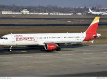 Iberia Express Airbus A321-200 EC-JLI (TXL 10.2. 2017)