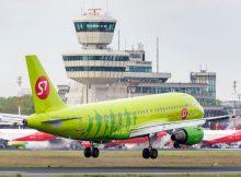 Ein Airbus A319 der S7 Airlines landet am Flughafen Tegel (© G. Wicker/FBB)