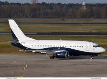 Air X Charter Boeing 737-500 9H-OME (TXL 4.11. 2017)
