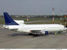 LuzAir, Lockheed L-1011 TriStar 500 CS-TMP (TXL 22.4. 2004)
