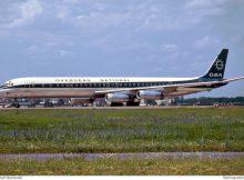 ONA Overseas National Airways, McDonnell-Douglas DC-8-63CF N865F (TXL 9.7. 1971)