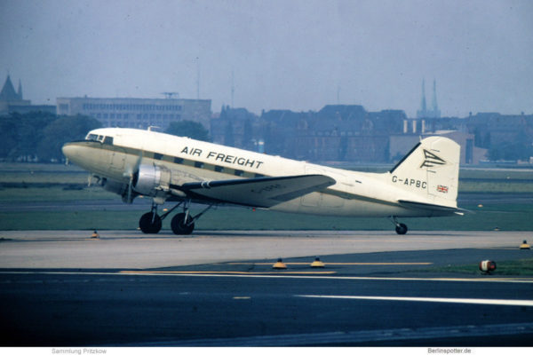 Air Freight, Douglas C-47 G-APBC (THF 5.10.1974)
