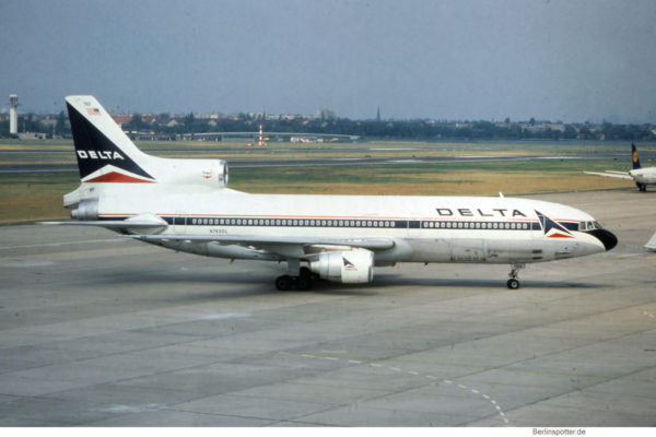 Delta Air Lines, Lockheed L-1011 TriStar 500 N769DL (TXL 1992)