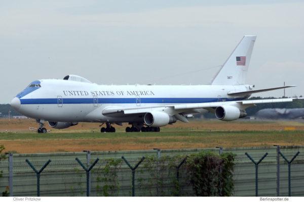 US Air Force, Boeing E-4B 73-1677 (TXL 22.6. 2015)