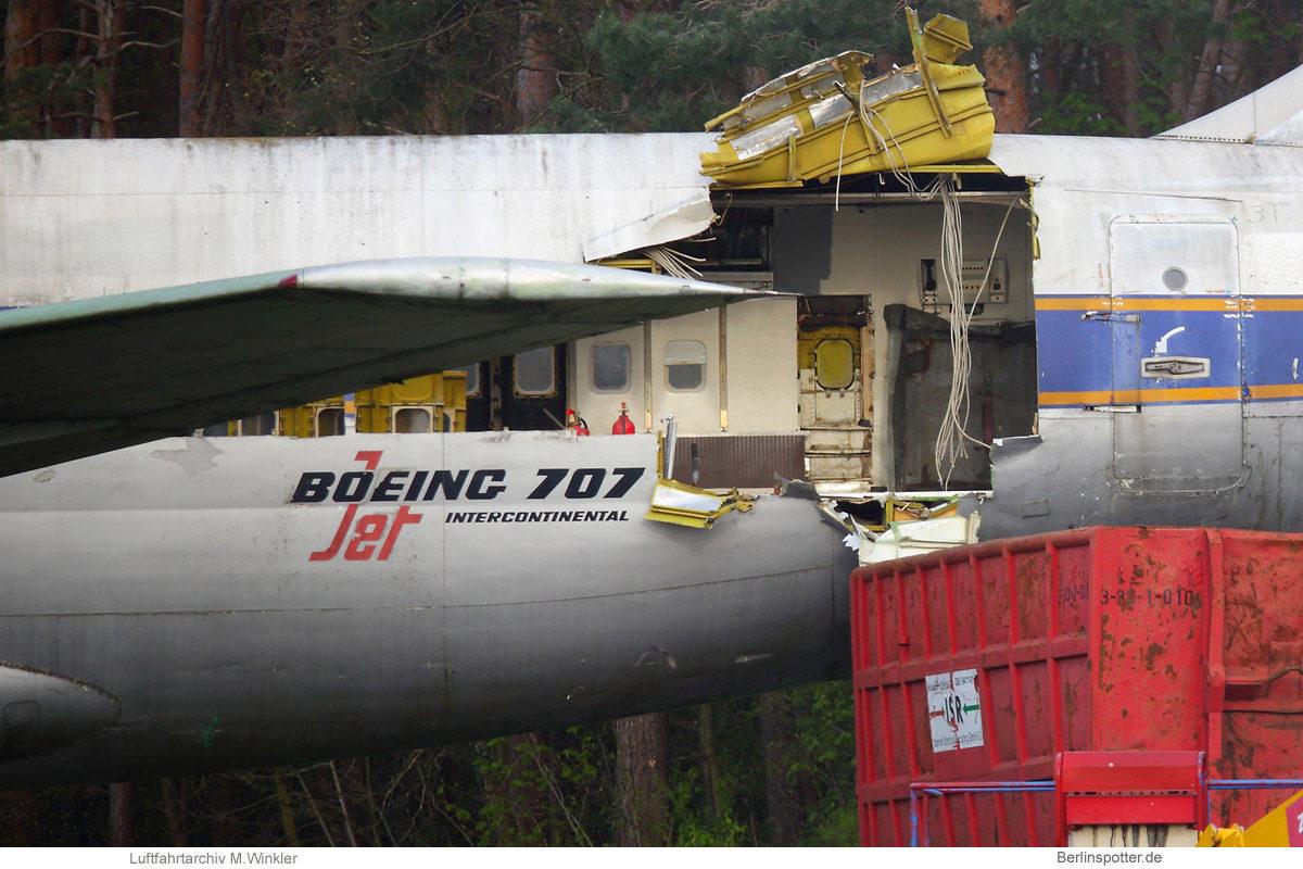 Demontage der Boeing 707-400 in Tegel (TXL 7.5.2021)