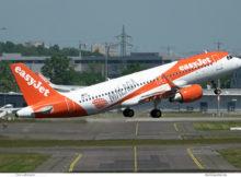 easyJet Europe, Airbus A320-200(SL) OE-IJW, Malaga-Sticker (BER 31.5.2021)
