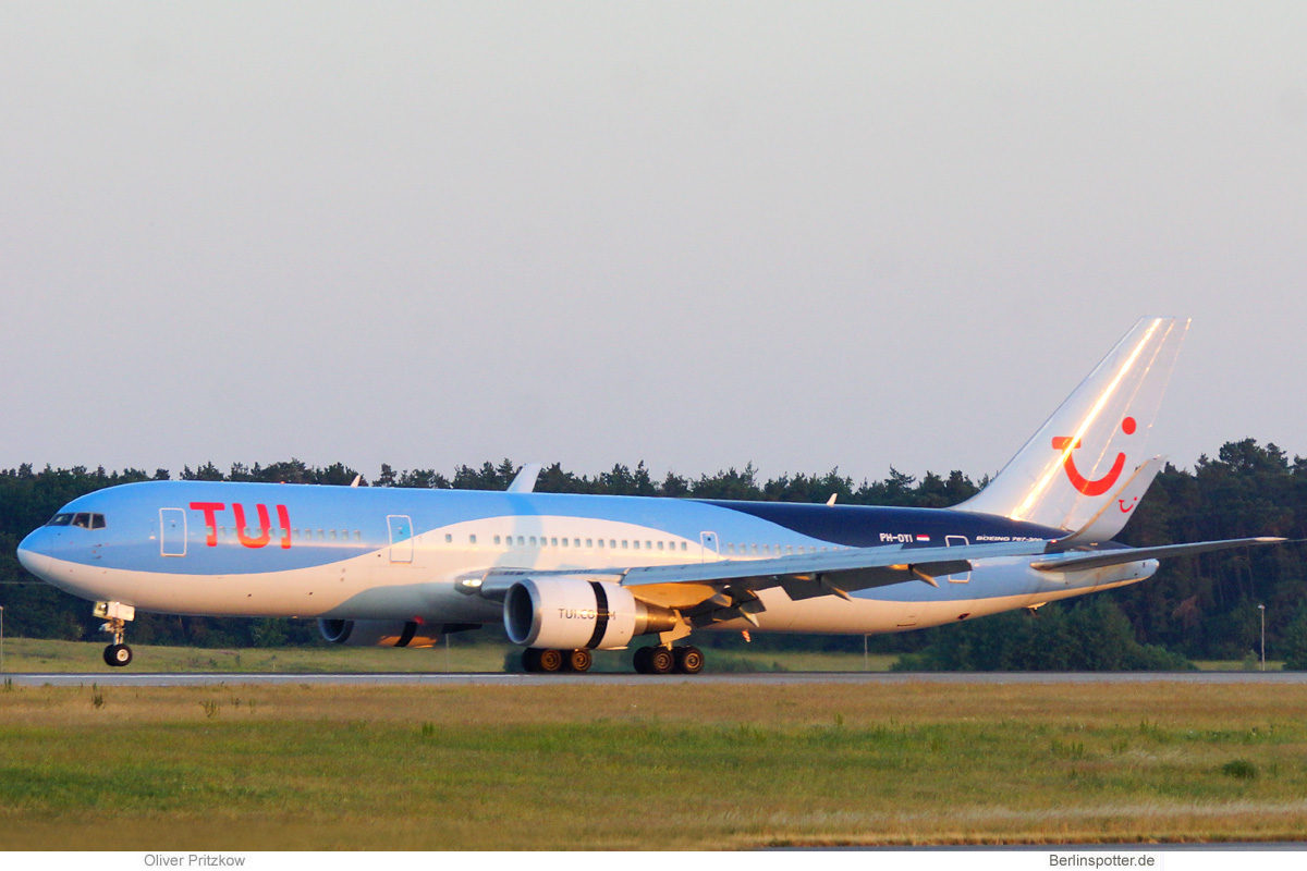 TUI Airlines Netherlands, Boeing 767-300ER PH-OYI (BER 18.6.2021)