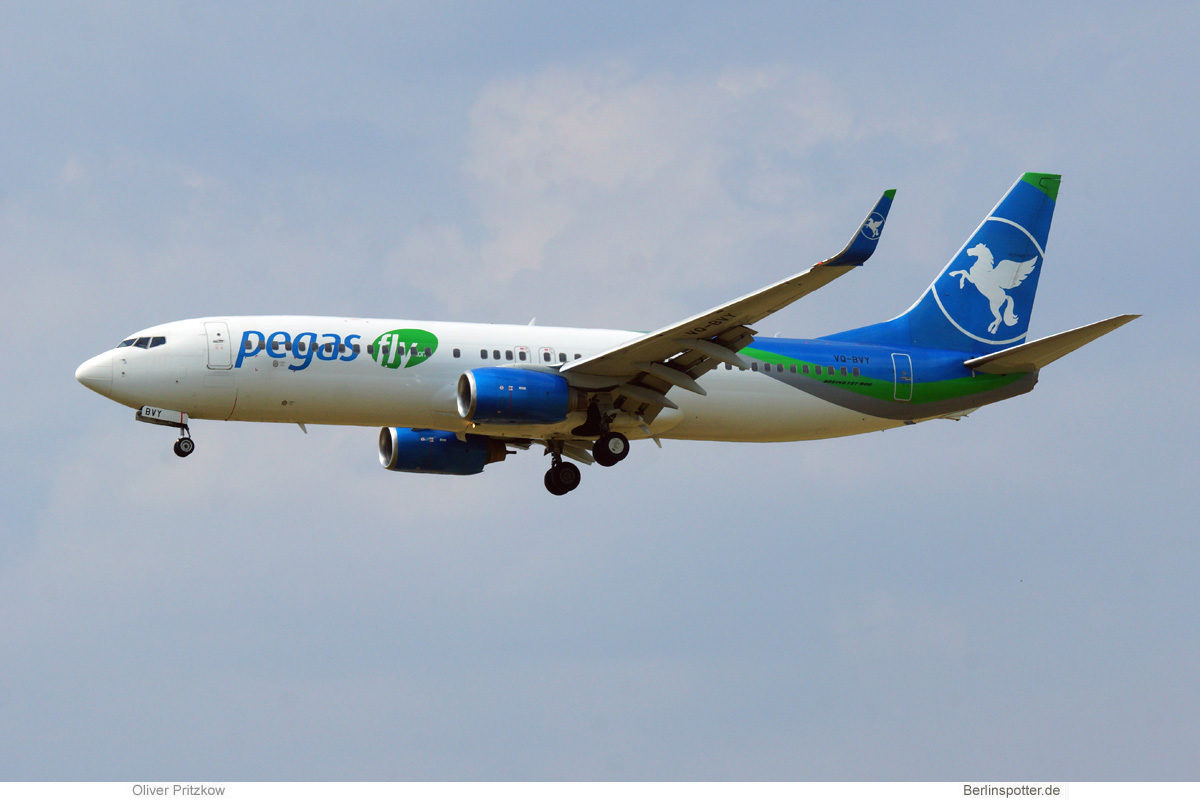 Pegasfly, Boeing 737-800(WL) VQ-BVY (BER 19.6.2021)
