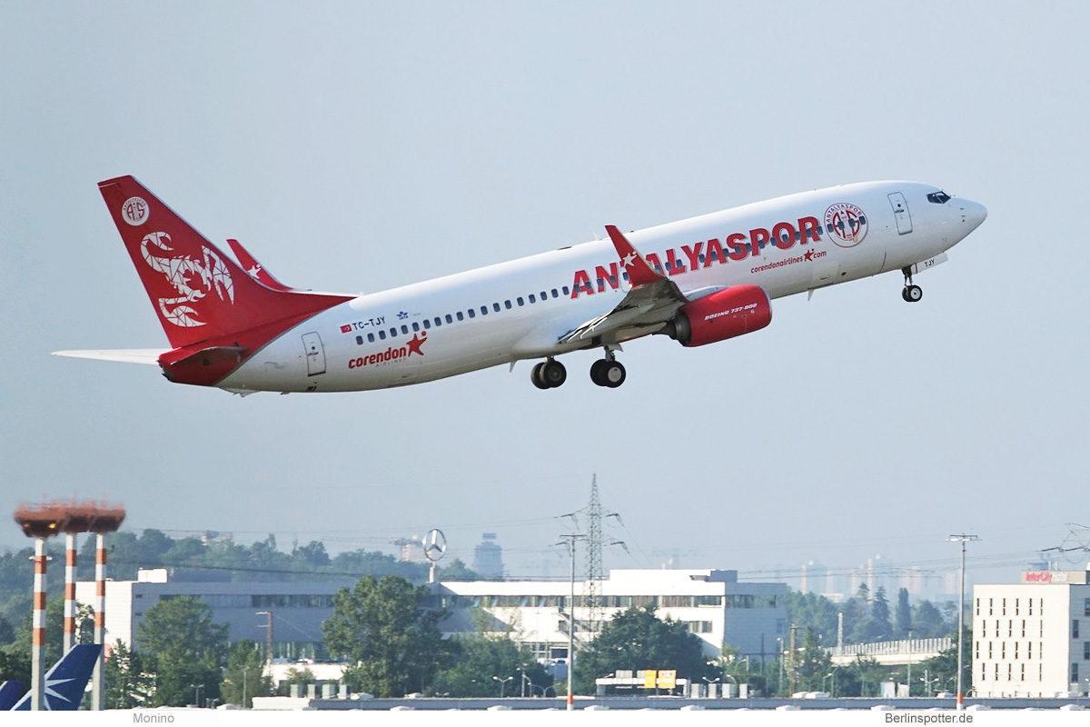 Corendon Airlines, Boeing 737-800(WL) TC-TJY, Antalyaspor-Bemalung (BER 12.7.2021)
