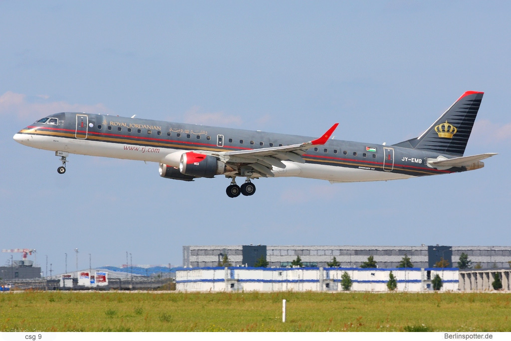 Royal Jordanian, Embraer 195 JY-EMB (BER 12.8.2021)
