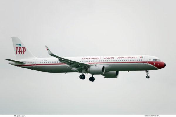 TAP Portugal, Airbus A321neo CS-TJR, Retro-Lackierung (BER 27.9.2021)