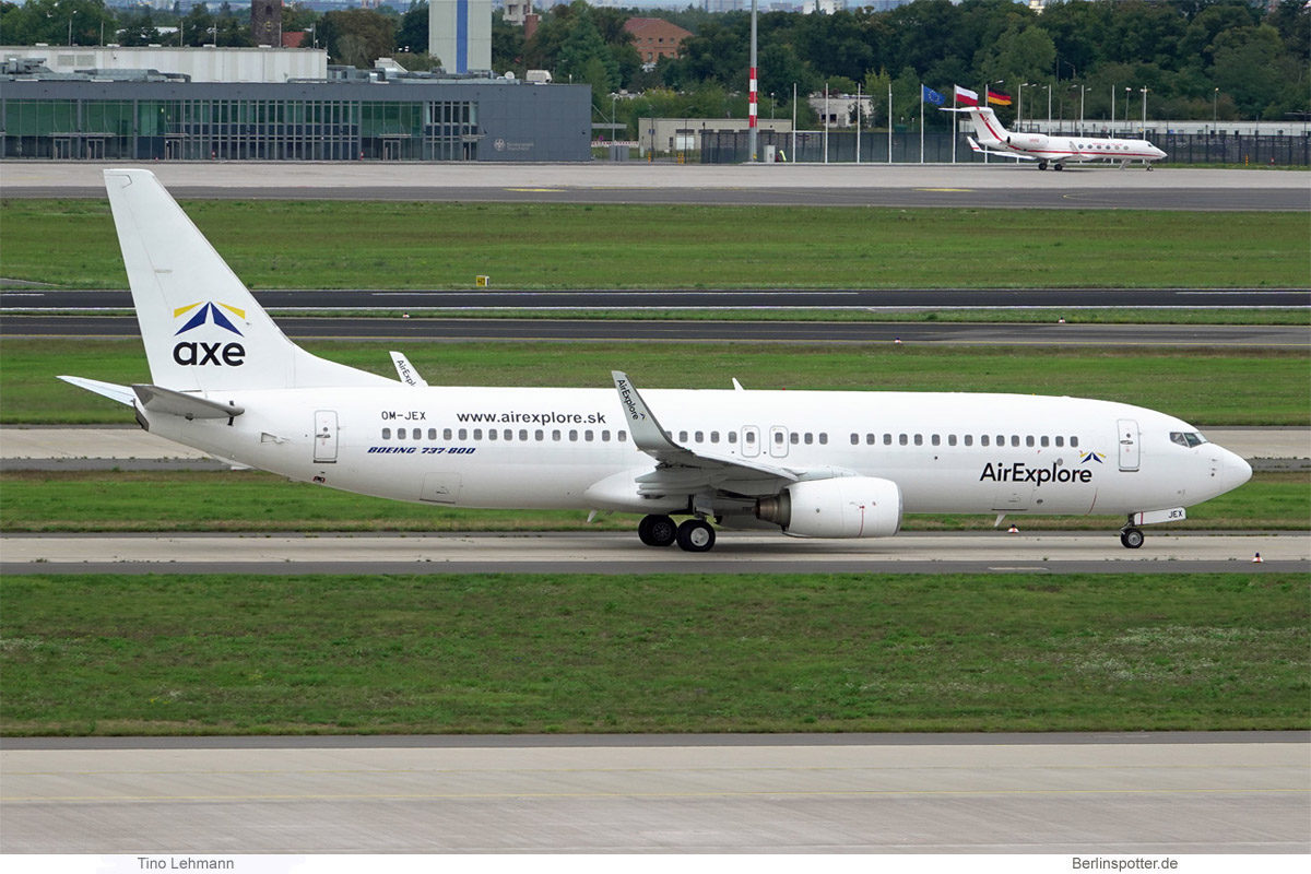 AirExplore, Boeing 737-800(WL) OM-JEX (BER 17.9.2021)